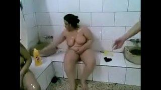تصوير نسوان عرب عاريات آخر شرمطة في حمام تونسي فيديو البيت العربي